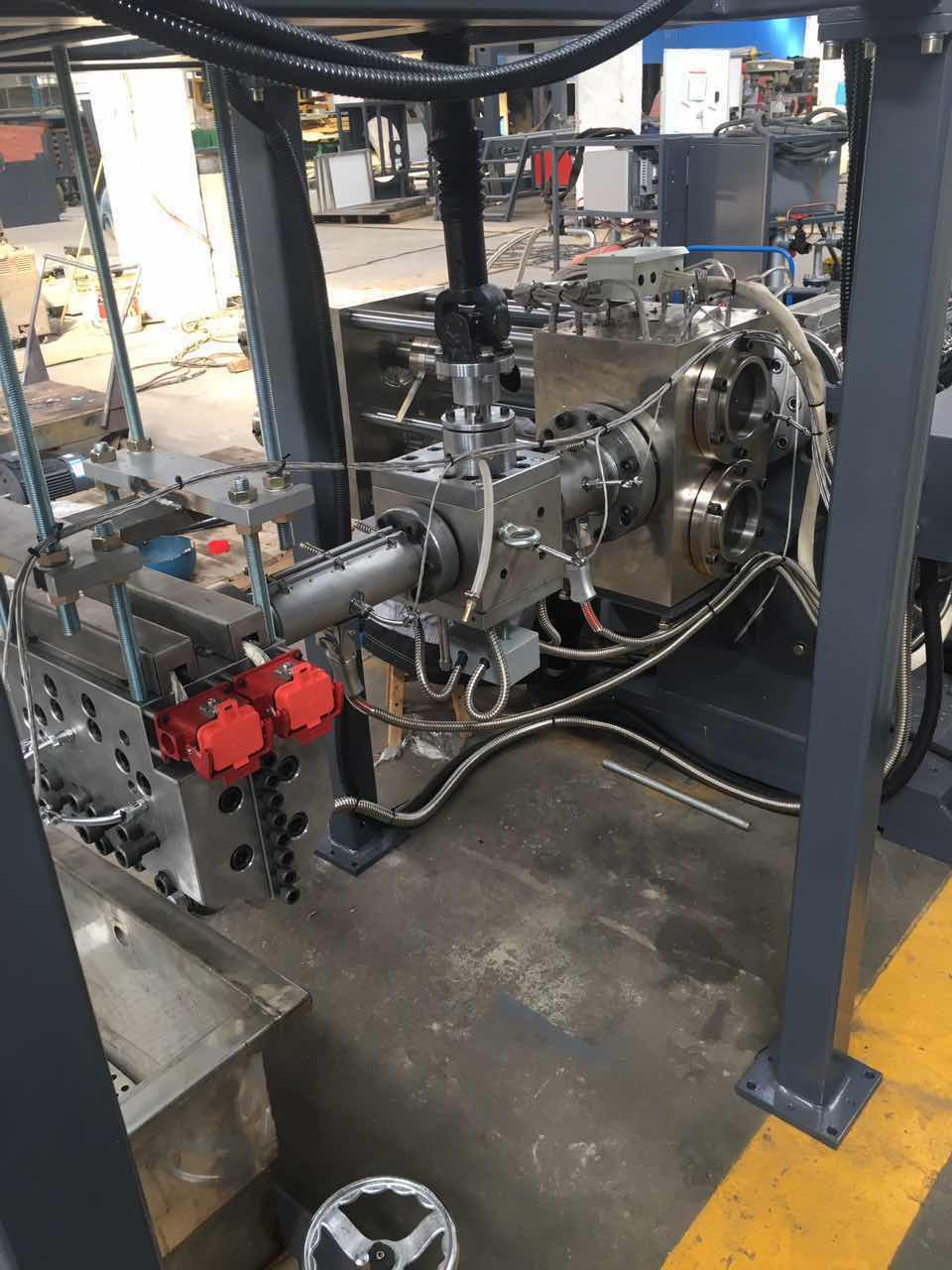 huan亚体育熔体泵+双柱huan亚体育 PET打包带生产线2